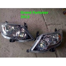 Lampu depan Toyota Grand Fortuner 2013 original