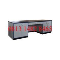 Meja Laboratorium Kerja  Personal / Chief Lab Table MKV-MKL01