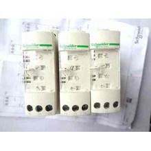 Schneider RM4UA32MW Relay dan Kontaktor Listrik