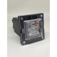 Distributor SIEMENS 7PA2331-1 110VDC Trip Lockout Relay 3