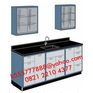 Meja Laboratorium dengan Sink dan Rak