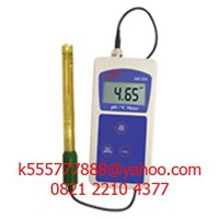 Standard Portable pH/Temperature Meter AD110
