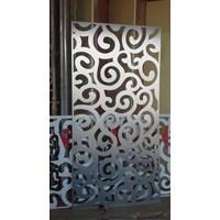 Aluminium Composite Panel lubang mawar halus merk seven