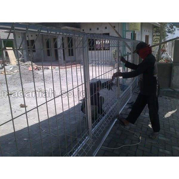 Daftar Harga Pagar BRC Paling Murah di Surabaya