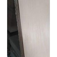 Triplek / Kayu Lapis / Papan / Plywood 12Mm Albasia 1