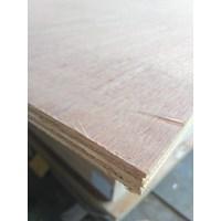 Papan Kayu  / Papan Kayu / Kayu Lapis/ Plywood 15Mm Meranti 1
