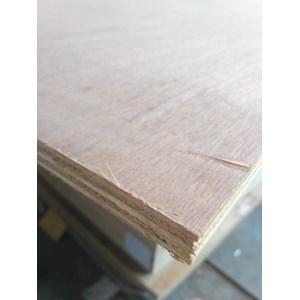 Papan Kayu  / Papan Kayu / Kayu Lapis/ Plywood 15Mm Meranti