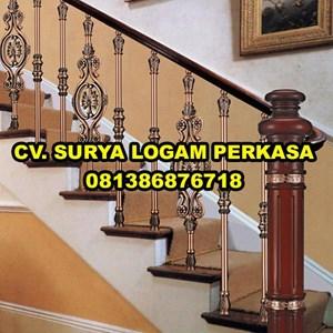 tangga rumah klasik By SURYA LOGAM PERKASA
