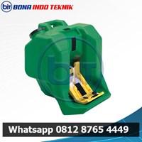 Portable Type 7500 Eyewash 1