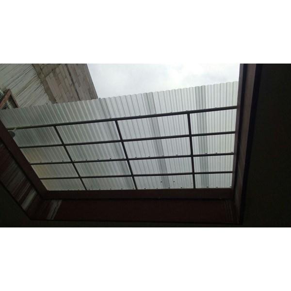 Atap Polycarbonate Gelombang SERENITY