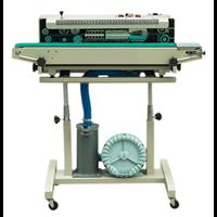 Bubble tube sealer machine
