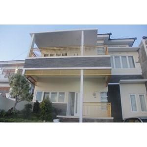 Villa Hanyomi Batu Tampak Depan