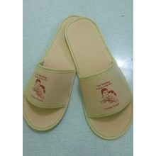Sandal Hotel Souvenir Pernikahan 4 Mm Full Cream