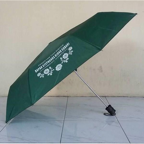 Payung Promosi Hijau Tua Lipat 3 Handle Plastik