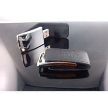 USB FLASH DISK COVER SEMI KULIT HITAM  4 GB FDSO-21 KAPASITAS 4G