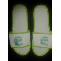 Perlengkapan Restoran dan kafe hotel villa souvenir sandal spon putih list hijau 4mm