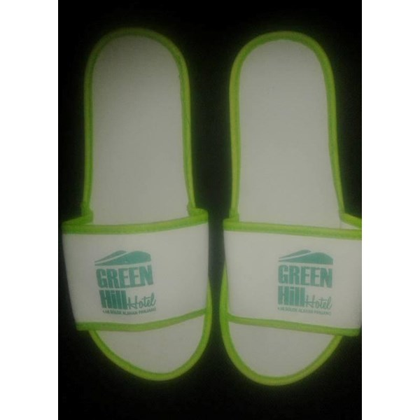 Amenities restaurants and cafes hotel villa souvenir sandal white spon list green 4 mm
