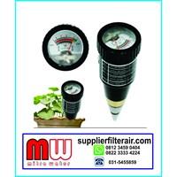 pH dan moisture meter tanah