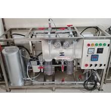 Mesin Pegolahan air asin menjadi air tawar kapasitas 5000 liter per hari
