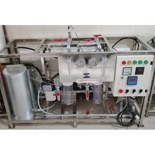 Mesin Pengolahan air asin menjadi air tawar kapasitas 5000 liter per hari