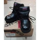 Sepatu Safety Track Tali 1