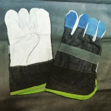 Local Combination Of Gloves