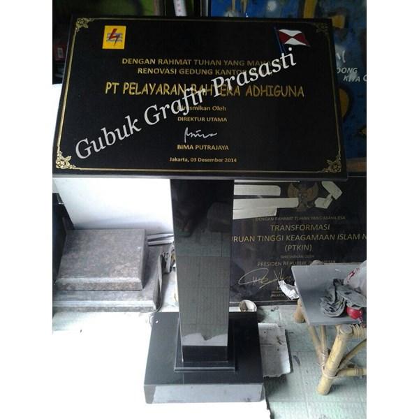 Podium Granit