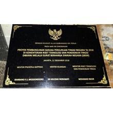 Batu Prasasti P587072