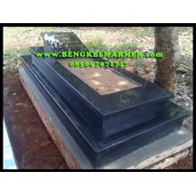 Kijing Makam Marmer Granit Hitam Bintaro www.BENGKELMARMER.com