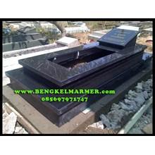 Kijing Makam Marmer Granit Hitam Jatiwaringin Bekasi www.BENGKELMARMER.com