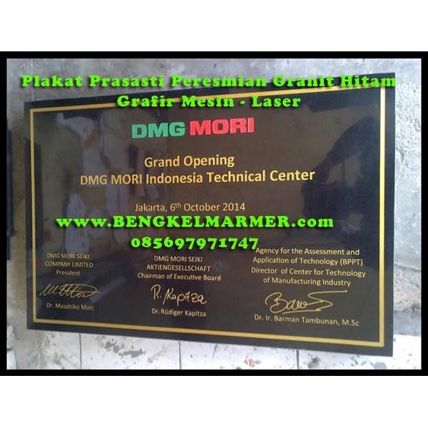 www.BENGKELMARMER.com Plakat Prasasti Peresmian Desain Komputer Ukiran Grafir Mesin Laser Marmer Putih Granit Hitam