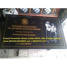 www.BENGKELMARMER.com Monumen Prasasti Peresmian Marmer Granit Hitam Ukuran Besar Jumbo Akademi Kepolisian AKPOL Oleh Presiden Republik Indonesia Joko Widodo Jokowi Marmer Granit Hitam