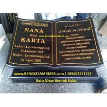 www.BENGKELMARMER.com Plakat Prasasti Batu Nisan Makam Kuburan Model Bentuk Buku Alquran Islam Muslim Marmer Granit Hitam