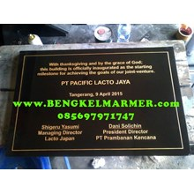 www.BENGKELMARMER.com Prasasti Peresmian Bahasa Inggris PT Pacific Lacto Jaya