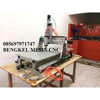 www.bengkelmarmer.com Mesin Grafir Otomatir Komputer Ukir Batu Nisan dan Monumen Marmer Granit CNC Router Jakarta Murah