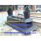 www.bengkelmarmer.com Kijing Bangunan Makam Lengkap Batu Nisan dan Monumen Plakat Prasasti Pemakaman Kuburan Murah Kirim Pasang Jakarta Selatan 3