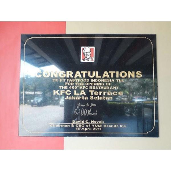 www.bengkelmarmer.com 085697971747 Contoh Harga Pabrik Percetakan Pembuat Batu Prasasti Peresmian Restoran KFC Jakarta Surabaya Medan Bandung