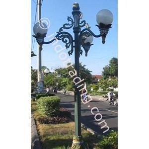 Tiang Lampu Antik Manggis Garuda