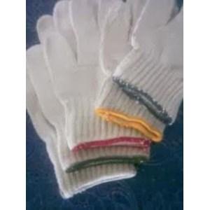 Sarung Tangan Benang Tiga