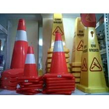 Kerucut Pemisah Jalan Traffic Sign Cone Plastik