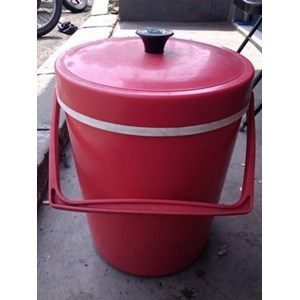 Ice Bucket Kotak Es Doremi