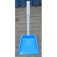 Serok Sekop Sekrop Tangkai Pegangan Sampah Plastik