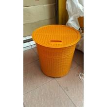 Keranjang Pakaian Laundry Basket Plastik Anyaman