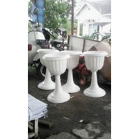 Distributor Vas Pot Bunga Plastik Coklat Putih Tulip Piala Dekorasi Vintage Shabby 3