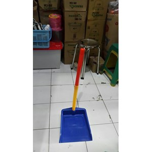 Serok Sekrop Sampah Tangkai Pengki Gagang Plastik Lucky Star