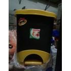 Tong Tempat Sampah Plastik Pedal Injak Kamar Rumah Sakit Kelas Sekolah Green Leaf Maspion Lucky Star Lion Star 6
