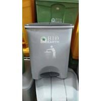Dari Tong Tempat Sampah Plastik Pedal Injak Kamar Rumah Sakit Kelas Sekolah Green Leaf Maspion Lucky Star Lion Star 9