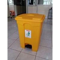Distributor Tong Tempat Sampah Plastik Pedal Injak Kamar Rumah Sakit & Roda Taman 3