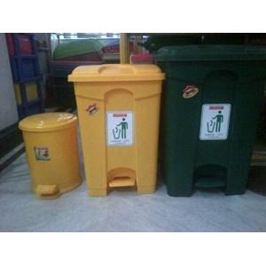 Tong Tempat Sampah Plastik Pedal Injak Kamar Rumah Sakit & Roda Taman