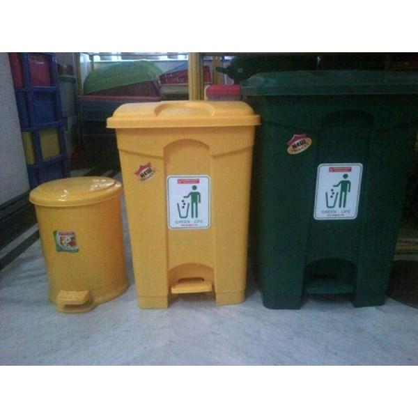 Tong Tempat Sampah Plastik Pedal Injak Kamar Rumah Sakit Kelas Sekolah Green Leaf Maspion Lucky Star Lion Star